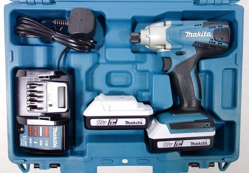 Makita TD127DWE atornillador con accesorios